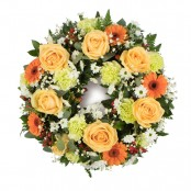 SYM-315 Classic Wreath in Peaches & Creams